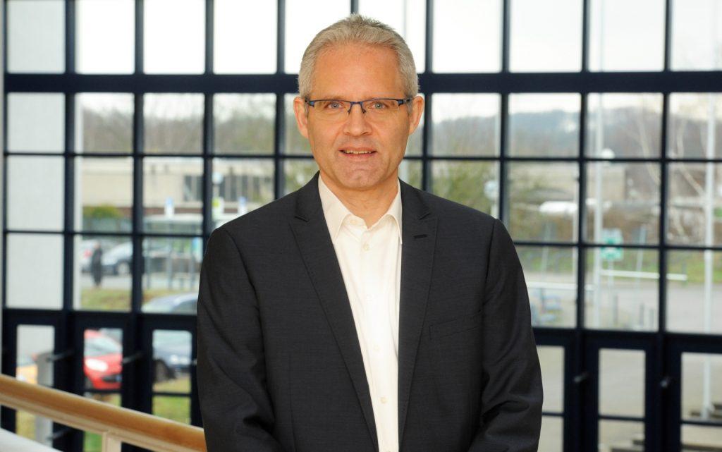 Dr. Matthias Hauser