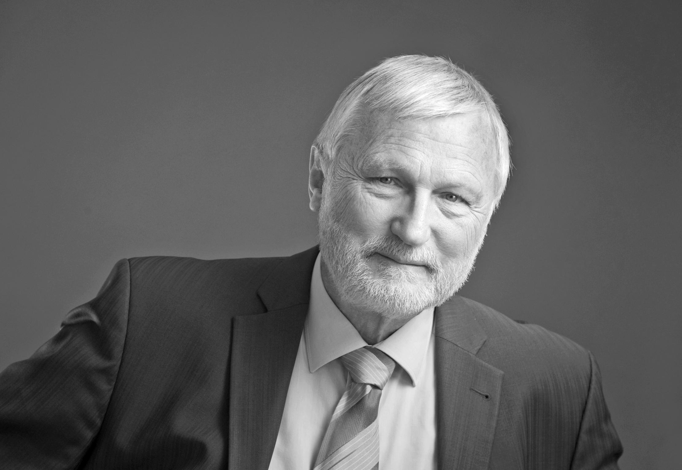 Dr. Karl-Martin Dietz